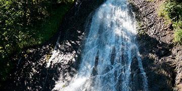 Бухта Тихая, Клоковский и Гребенской водопад